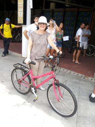 eba fevereiro sheryda lopes de bike na cidade (17)