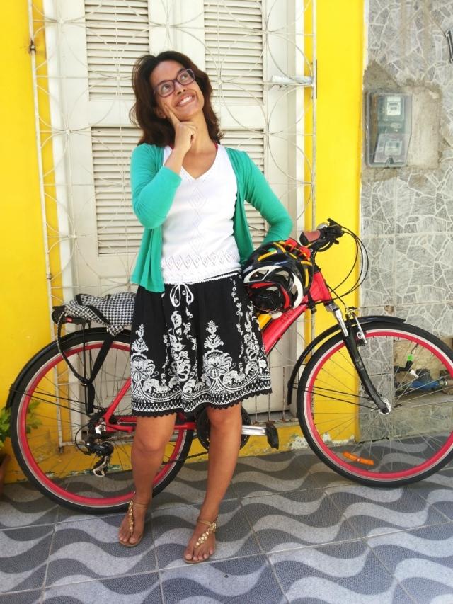 Look casaco verde saia Blog de Bike na Cidade Sheryda Lopes by Francisco Barbosa (4)