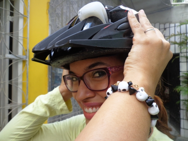 Look preto e branco De bike na Cidade Sheryda Lopes by Francisco Barbosa (11)