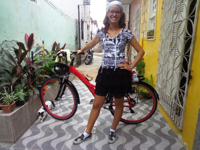 Look preto e branco De bike na Cidade Sheryda Lopes by Francisco Barbosa (7)