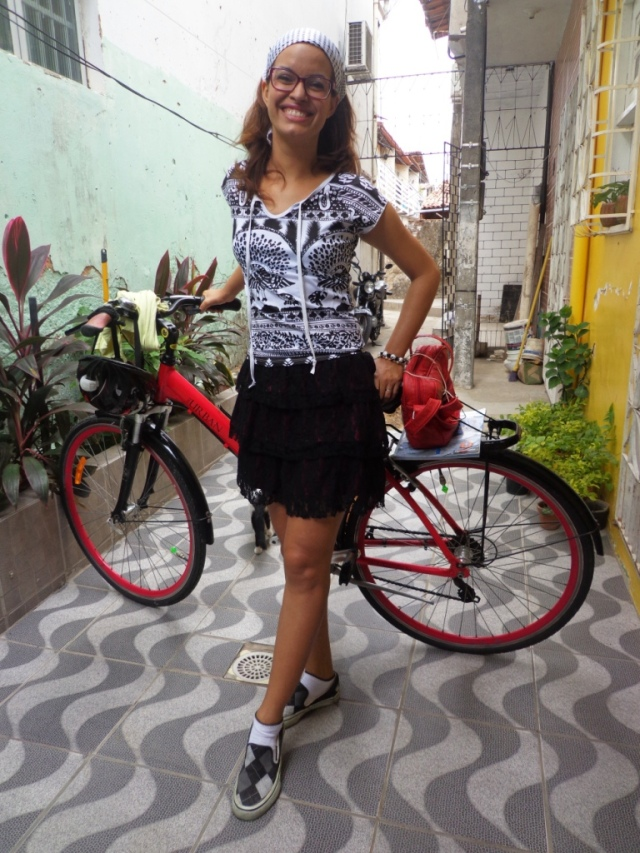 Look preto e branco De bike na Cidade Sheryda Lopes by Francisco Barbosa (8)