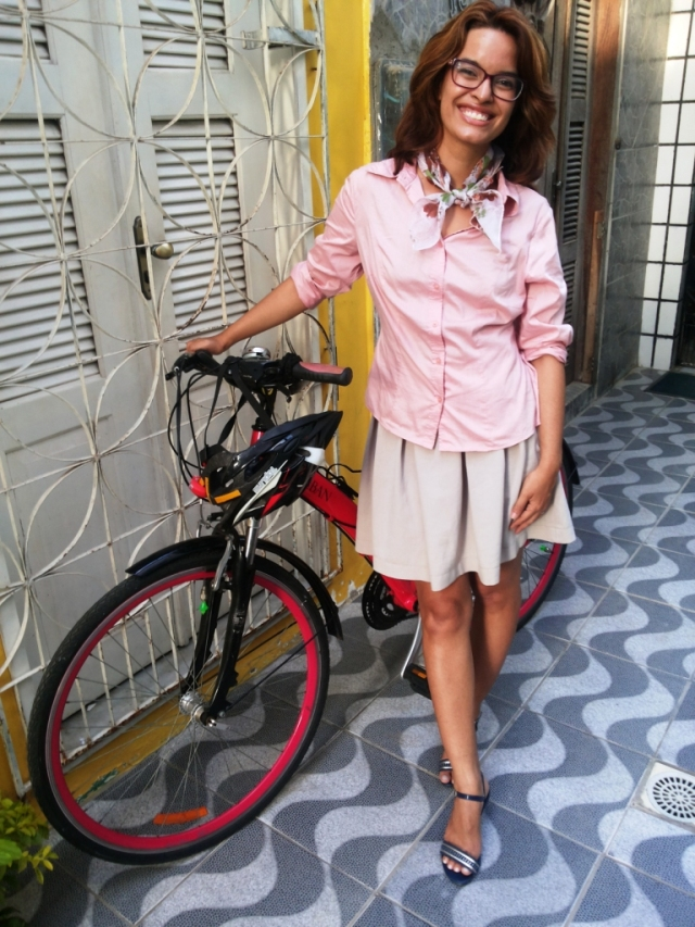 Sheryda Lopes Blog de Bike na Cidade Camisa Rosa _ by Francisco Barbosa (5)