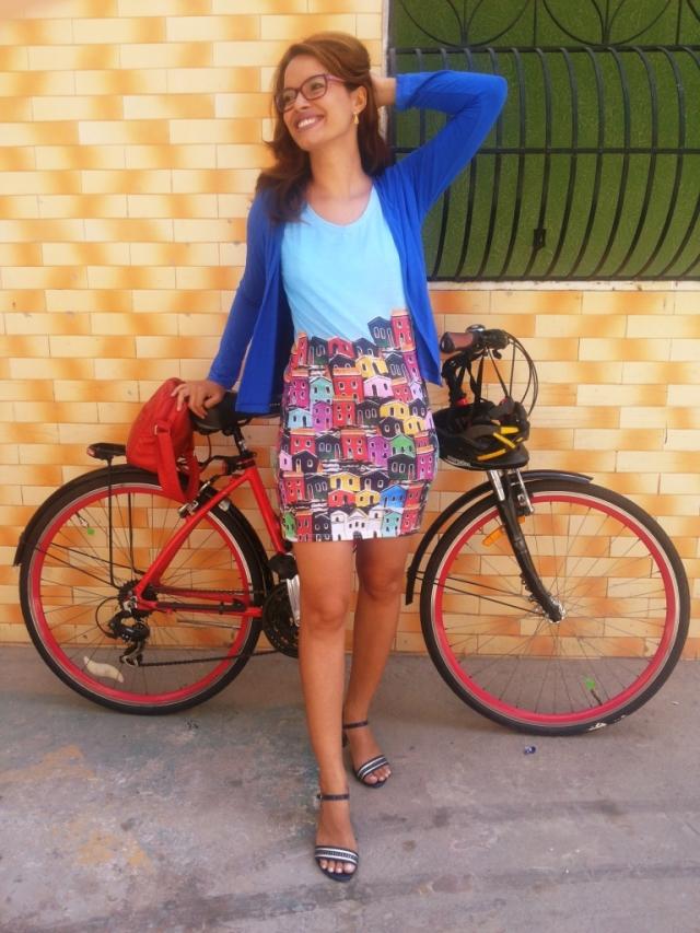 Vestido Olinda Fluorita De Bike na Cidade Sheryda Lopes_by Francisco Barbosa (2)
