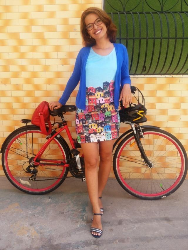 Vestido Olinda Fluorita De Bike na Cidade Sheryda Lopes_by Francisco Barbosa (3)