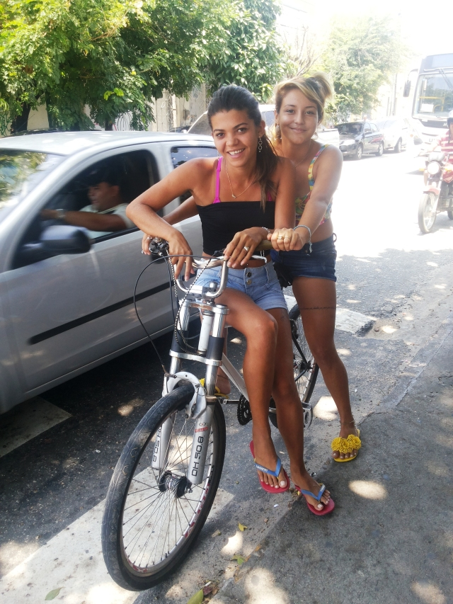 Vi de Bike Luana e Paloma by Sheryda Lopes
