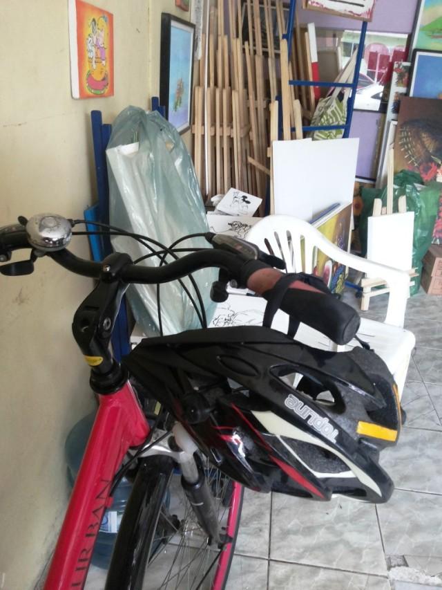 De Bike na Cidade Look Cycle Chic vestido marrom Sheryda Lopes (1)