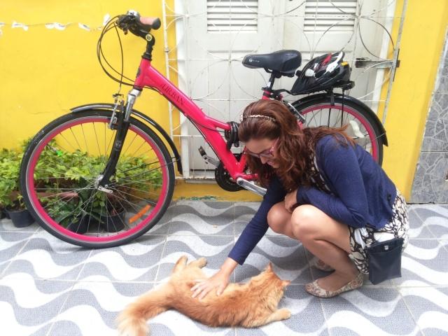 De Bike na Cidade Look Cycle Chic vestido marrom Sheryda Lopes (6)