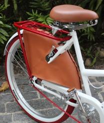 Protetor de saia Sheryda Lopes De Bike na Cidade