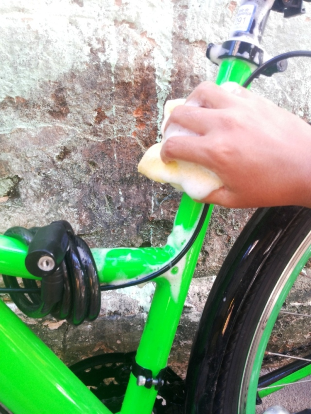Limpeza corrente bicicleta Wladimir Lessa De Bike na CIdade Sheryda Lopes (18)