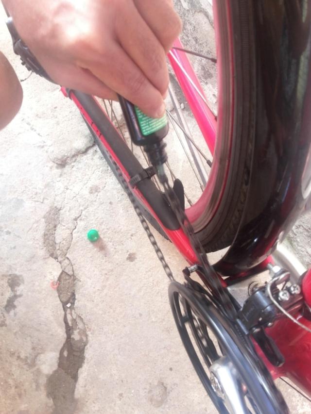 Limpeza corrente bicicleta Wladimir Lessa De Bike na CIdade Sheryda Lopes (23)