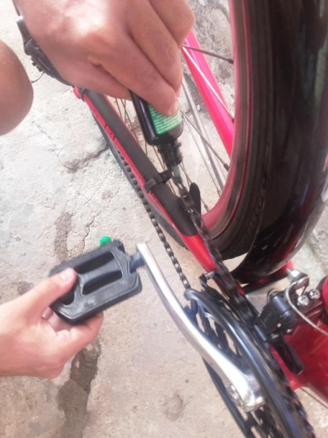 Limpeza corrente bicicleta Wladimir Lessa De Bike na CIdade Sheryda Lopes (24)