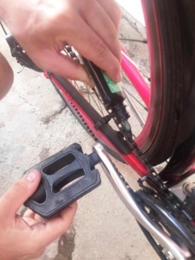 Limpeza corrente bicicleta Wladimir Lessa De Bike na CIdade Sheryda Lopes (25)
