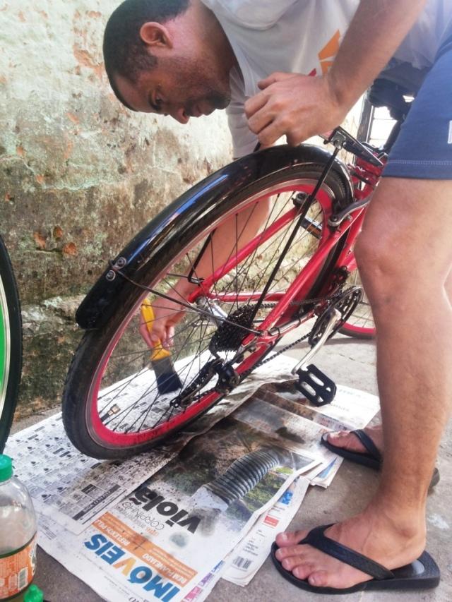 Limpeza corrente bicicleta Wladimir Lessa De Bike na CIdade Sheryda Lopes (9)