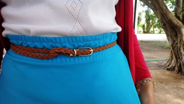 Look Cycle ChicBlusa transparente saia azul cinto pulseira graxa De Bike na Cidade Sheryda Lopes Li (7)
