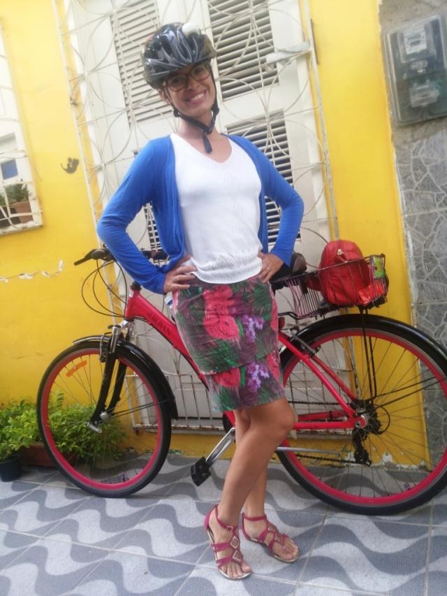 Look cabelo molhado saia longa De Bike na Cidade Sheryda Lopes by Francisco Barbosa (2)