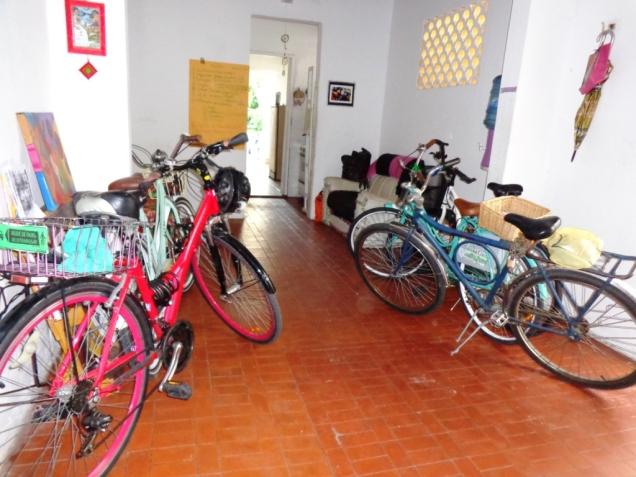 Bicicletas fazendo amizade