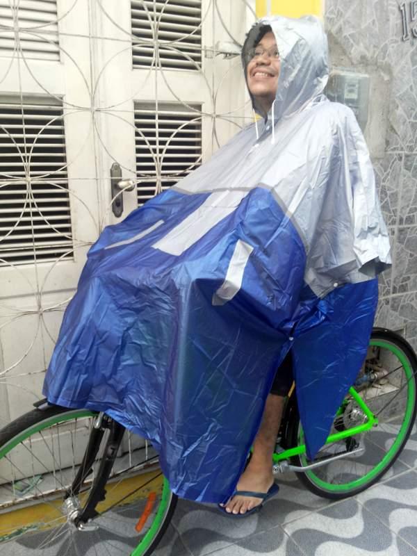 Chegou!! Capa de chuva (poncho) para pedalar   De bike na cidade 0ce999c88b