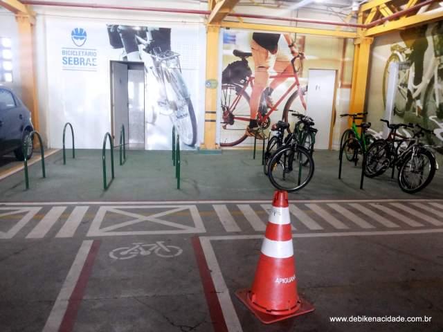 Bicicletário do Sebrae Fortaleza Blog De Bike na Cidade Sheryda Lopes   (2)