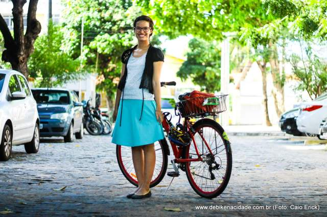 Look cycle chic saia azul bolero preto by Caio Erick blog De Bike na Cidade Sheryda Lopes (1)