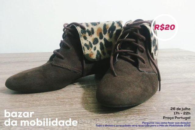 Botinha de Camurça com detalhe de Oncinha - Tamanho 36 - R$20