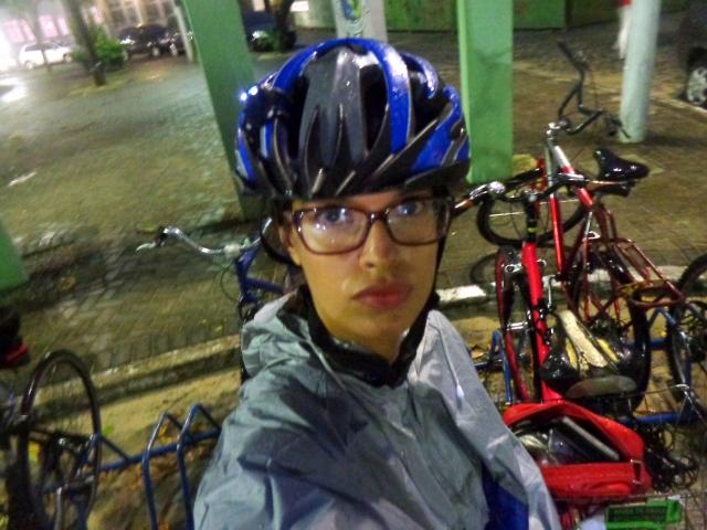Sheryda Lopes Capa de chuva pedalar poncho bicicleta Blog De Bike na Cidade Resenha (3)